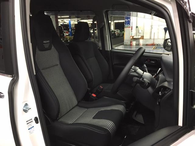 トヨタ・エスクァイアに「LX-F IM110」を装着です♪